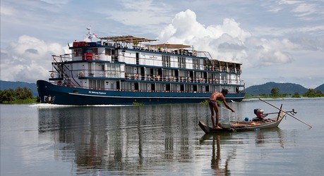 Jayavarman, the ship servicing Lost Civilisation (Upstream)