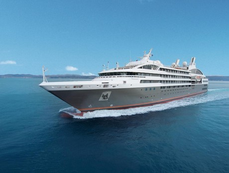 L'Austral, the ship servicing From Canada to Mexico