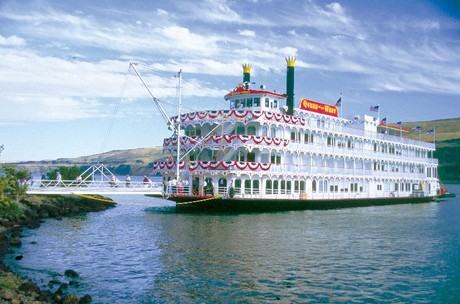 Queen of the West, the ship servicing The Best of the Columbia River