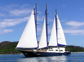 Travel on the SY Sea Star & Sea Bird