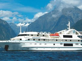 Travel on the Coral Discoverer