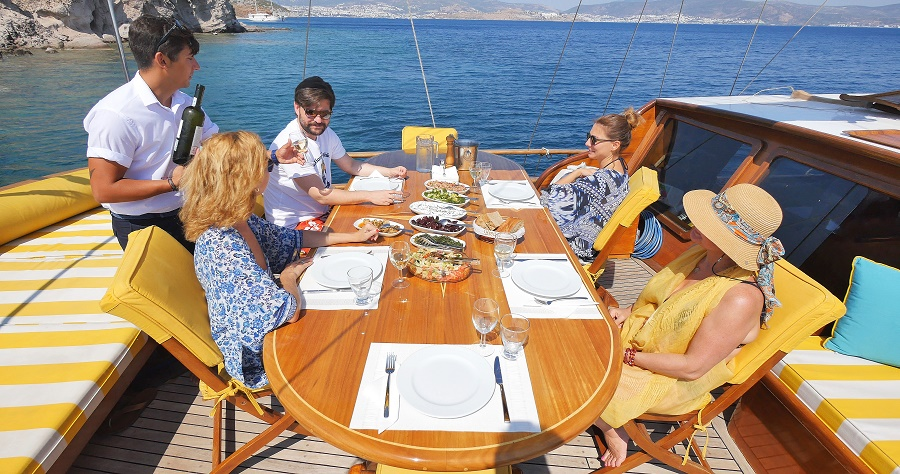 Eating outside on the gulet | The Small Cruise Ship Collection