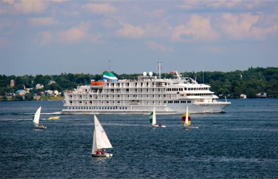 Pearl Mist, the ship servicing Great Lakes & Georgian Bay Cruise