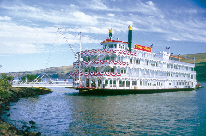 Queen of the West, the ship servicing Columbia and Snake Rivers Voyage