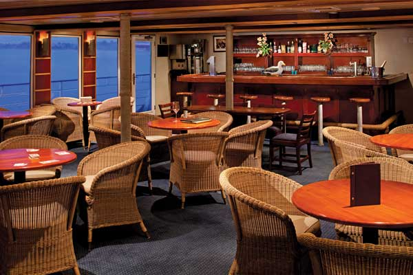 Safari Voyager bar| The Small Cruise Ship Collection