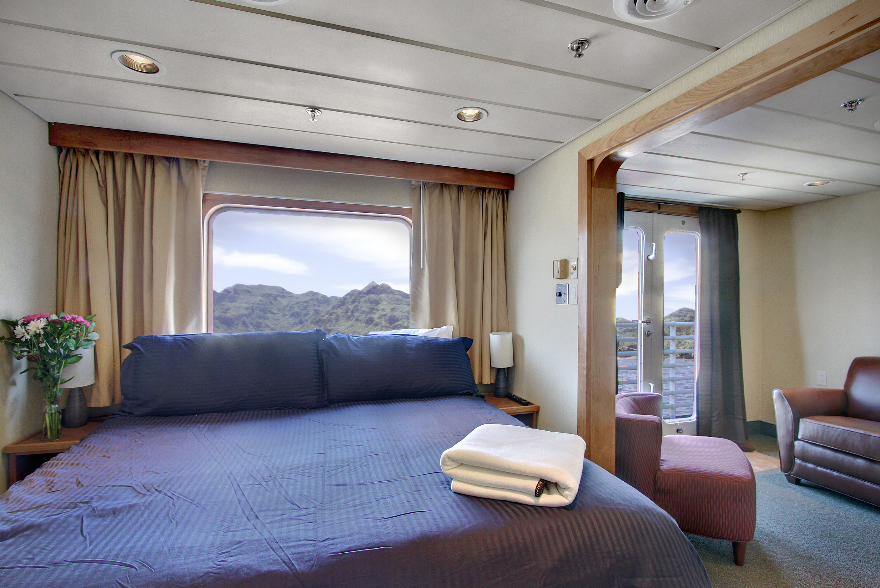 Commodore Suite on Safari Endeavour -The Small Cruise Ship Collection